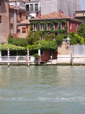 Que Sera Sara Venice house