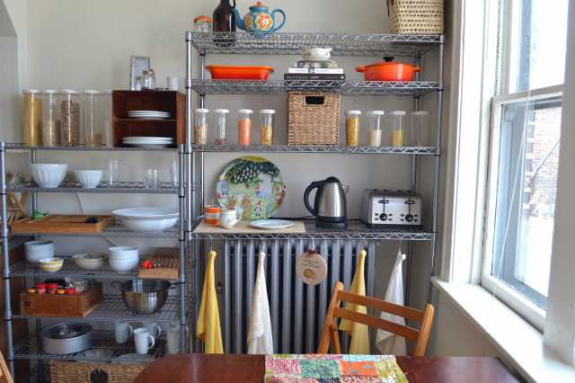 que sera sara kitchen open shelves front