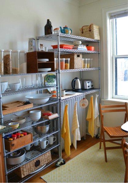 que sera sara open kitchen shelves